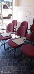 Lote de cadeira universitária