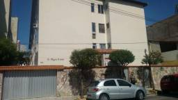 Alugo apartamento no Meireles