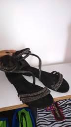 Sandália rasteira da gato e sapato