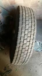 2 pneus 295- 80- 22.5