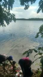 Chácara na beira do lago