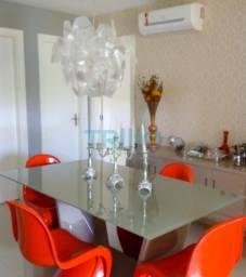 Casa á Venda com 4 quartos, 4 vagas, 140.00m² (CA0006)