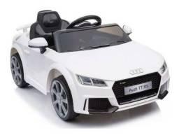 Carro Infantil Elétrico Audi Tt Rs (branco preto e vermelho) R/c 12v - Belfix