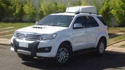 TOYOTA HILUX SW4 2013/2013 3.0 SRV 4X4 7 LUGARES 16V TURBO INTERCOOLER DIESEL 4P AUTOMÁTI - 2013