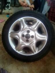 Vende se rodas de carro liga leve aro 15 com pneus