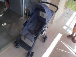 Carrinho de bebê novissimo