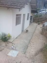 Alugo casa em São João Batista