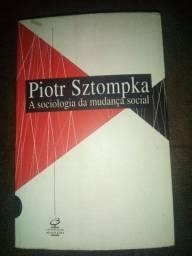 """Livro seminovo """"A Sociologia da Mudança Social"""""""
