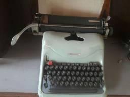 Maquina de escrever Olivetti Lexikon 80