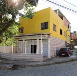Caetano Imóveis - Prédio comercial com 3 andares próximo ao Centro de Cachoeiras/RJ