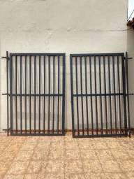 Portão de grade e duas grades novos