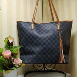 Bolsas, carteiras e outros modelos.