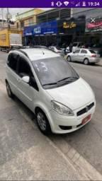 Fiat Idea + vaga Prezunic de Nilópolis