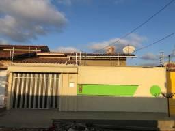 Alugo casa próximo ao margaridas Cohatrac  900,00 2 quartos