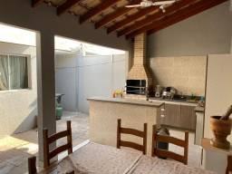 Cond. Maria Mota 3 quartos com garagem e churrasqueira