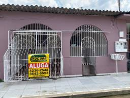 Casa com 3 dormitórios para alugar, 113 m² por R$ 1.200,00 - Alvorada