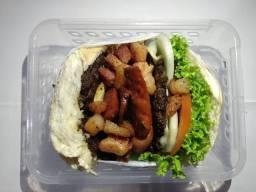 Hambúrguer e misto quente