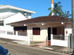 Casa em excelente localização no Bairro Bom Retiro com ampla área de terreno 15,00 x 70,50