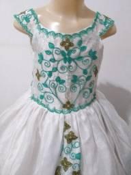 Vende-se Vestido de Daminha Branco e Verde. Usado 3x