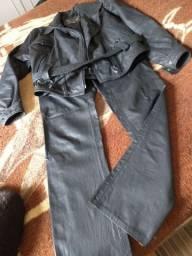 Barbadinhas.. excelente jaqueta e calça de couro lindas por 200 às duas