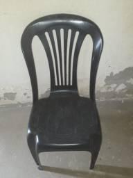 Cadeiras plásticas,semi novas