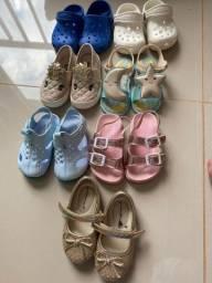 Tênis e sandálias crocs femininas