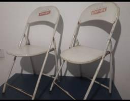 Cadeiras de aço dobráveis
