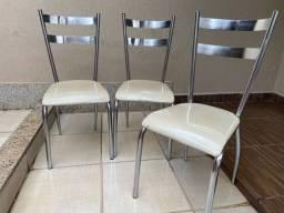 Cadeiras de alumínio com assento em courvim