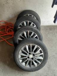 Jogo de rodas de liga leve Aro 15 com pneus