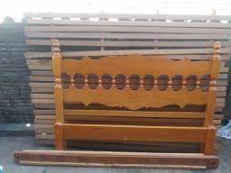 Vendo cama casal madeira