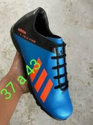 Chuteira Adidas Azul 90,00
