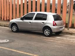 Renault Clio com 57 mil km
