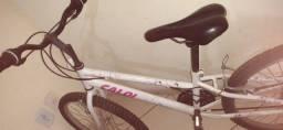 01 bicicleta caloi Ceci  semi nova e bem conservada