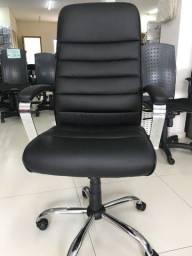 Cadeira presidente tok stok só 890 reais