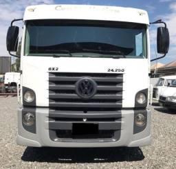 Caminhão Volkswagen Constelletion