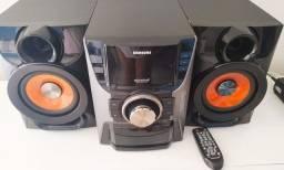 Samsung Giga sound 5 Cds e entrada com pendrive