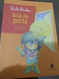 Livro paradidático Atrás da porta