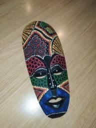 Máscara africana Pontilhismo