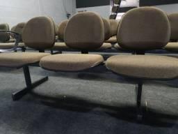 Cadeiras com Longarinas