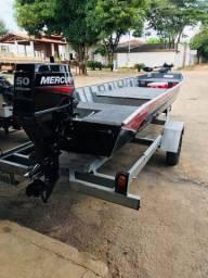 Barco 5.5 metros com motor mercury 50 hp novo 2020 cel: *