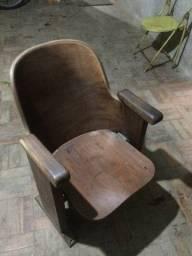 Raríssimas Cadeiras  Cinema marca Cimo