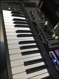 Roland VR 09 V-Combo (Teclado Sintetizador)