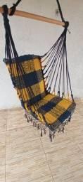 Rede de descanso em forma de cadeira suporta 120 kg