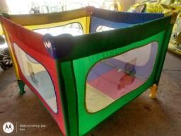 Chiqueirinho playground lindo em ótimo estado desmontável da Burigotto 280,00 entrego