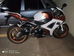 Vendo ou troco Suzuki srad 1000