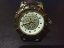 Relógio Antigo Yankee