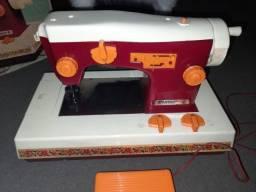 Mini máquina de costura Estrela