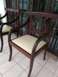 Cadeiras em Madeira Nobre