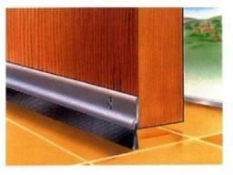 Protetor de Porta Vedante em Aluminio 80 CM