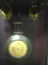Relógio antigo.